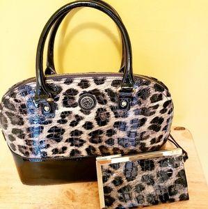 Elegant Anne Klein Patten Black & Leopard purse.